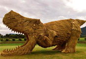 Скульптура из рисовой соломы