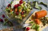 Салат из морской капусты с зелёной фасолью и клюквой