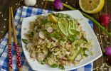 Салат постный с коричневым рисом и овощами