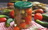 Маринованные огурцы с помидорами