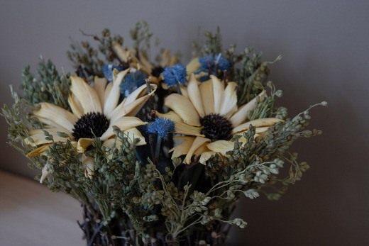 Композиция из высушенных цветов
