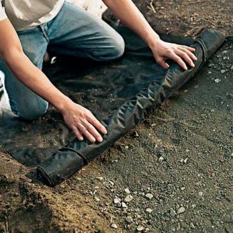 Изоляция грунта пленочным покрытием