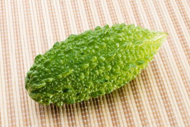 Плод момордики харанция, или горького огурца (Momordica charantia)