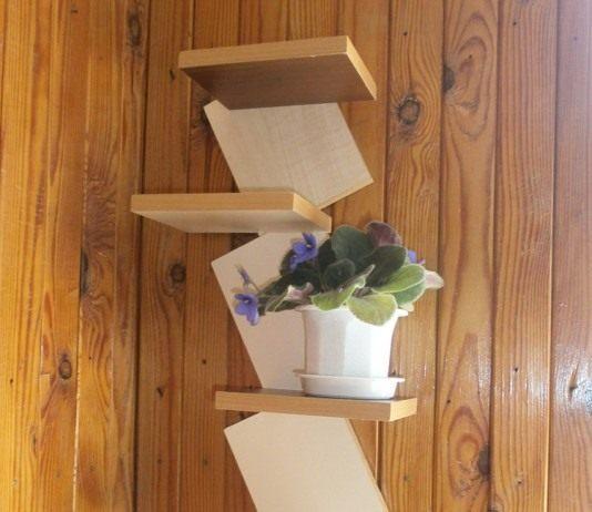 Вертикальная полка для цветов