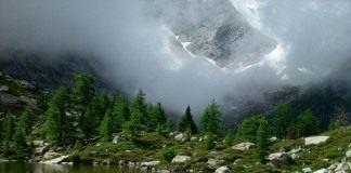 Горное озеро Гомс Швейцария