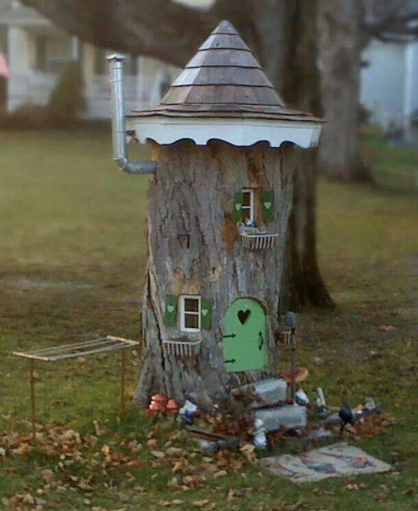 decorated-tree-stump-005