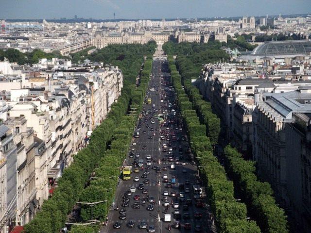 Париж, Елисейские поля, вид с Триумфальной Арки