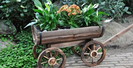 Декоративный изделия из дерева в саду своими руками