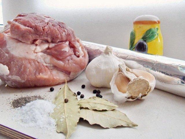 Ингредиенты для домашней буженины