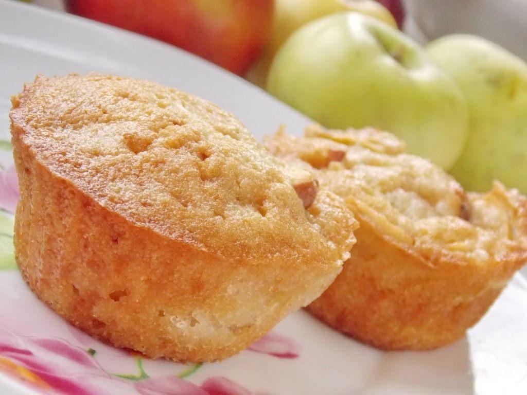 Манник на кефире с яблоками