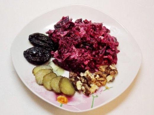 Свежий и лёгкий салатик «Бордо»