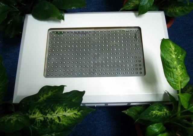 Панель светодиодная для выращивания растений