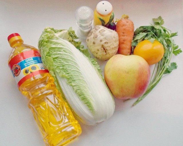 Продукты для лёгкого салата из пекинской капусты
