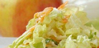 Лёгкий, вкусный, салат из пекинской капусты готов