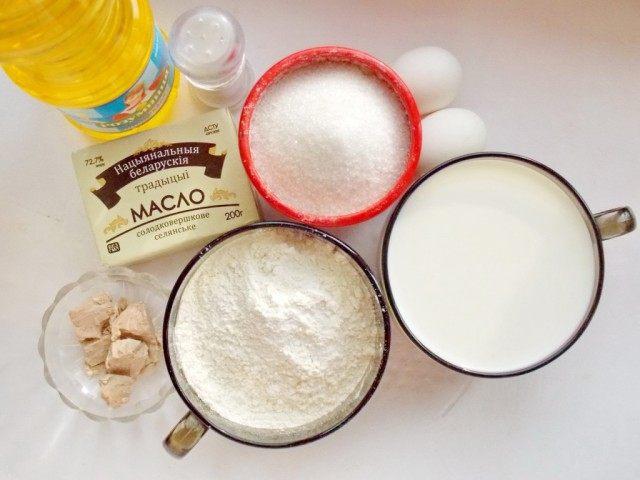 Ингредиенты для блинов на дрожжевом тесте