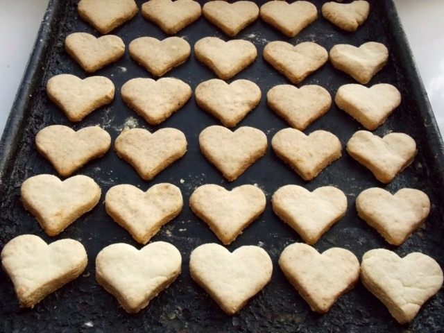 Выпекаем печенье «Сердечки» ко дню Святого Валентина