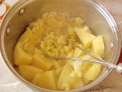 Разомните картофель в пюре