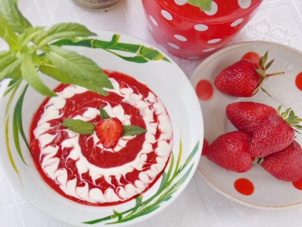Десерт «Клубничный суп»