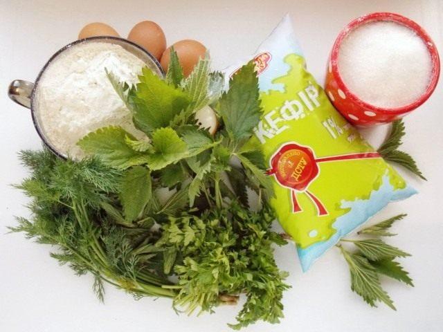 Ингредиенты для приготовления оладий с молодой крапивой