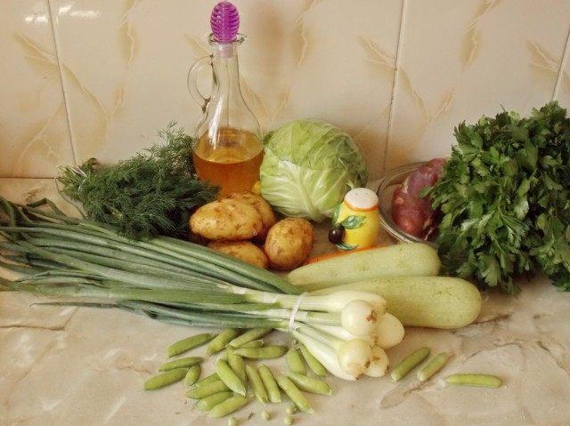 Ингредиенты для рагу из молодых овощей