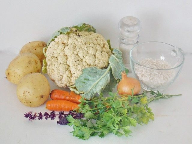 Ингредиенты для супа с цветной капустой