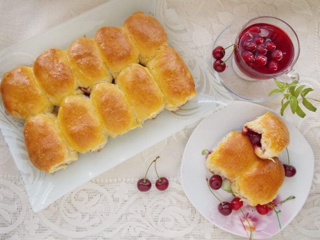 духовые пирожки с вишней фоторецепт