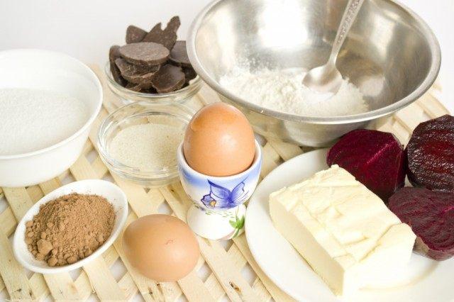 Ингредиенты для приготовления шоколадно-свекольного брауни