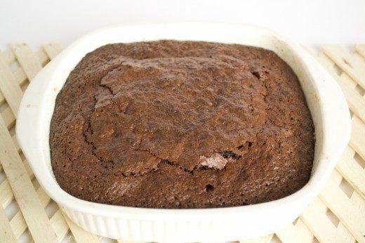 Выпекаем шоколадно-свекольный брауни 30 минут при 170 градусах