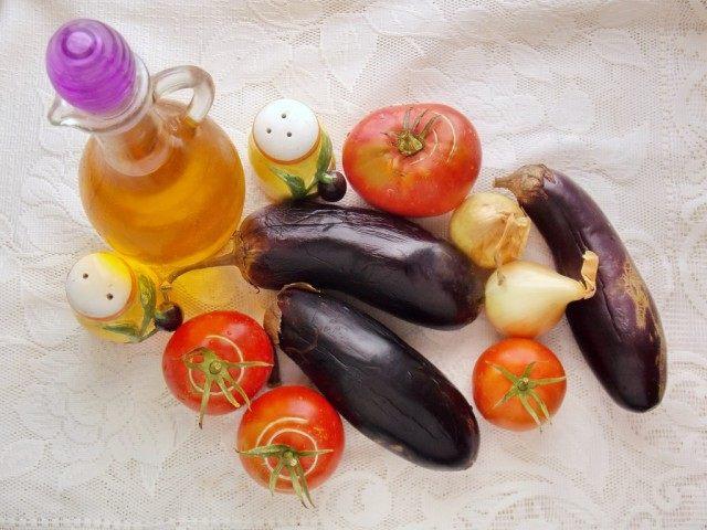 Ингредиенты для приготовления икры из баклажанов