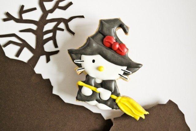 Печенье для Хэллоуина «Ведьмочка Китти»