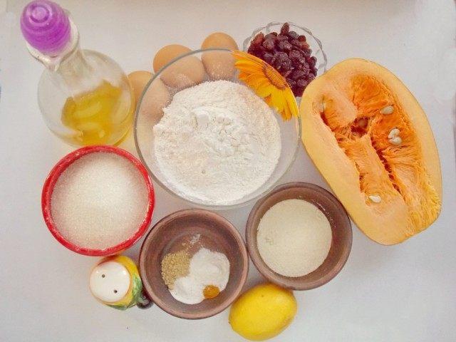 Ингредиенты для приготовления тыквенных кексов с изюмом