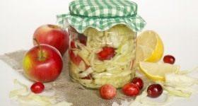Маринованная капуста с клюквой - Продукты и рецепты