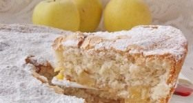 Шарлотка с яблоками - Продукты и рецепты