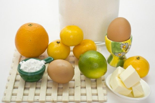 Ингредиенты для приготовления апельсинового курда с лаймом и мандаринами