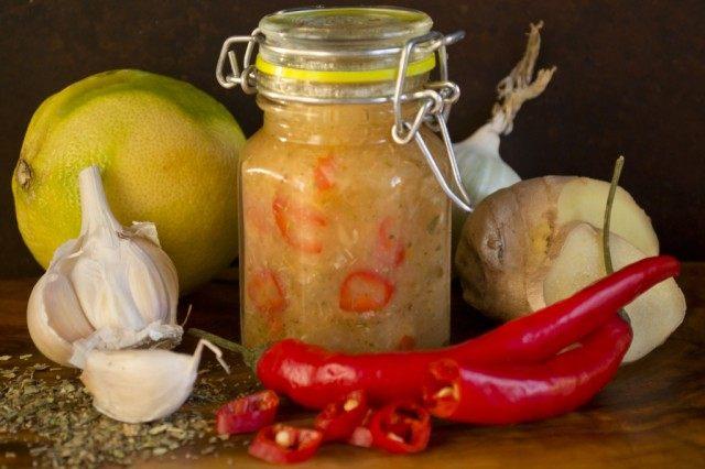 Тайский соус чили с луком и имбирём