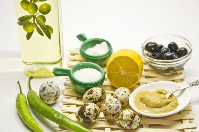 Ингредиенты для приготовления домашнего майонеза из перепелиных яиц