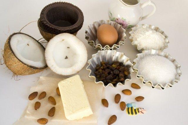 Ингредиенты для приготовления кексов с кокосом