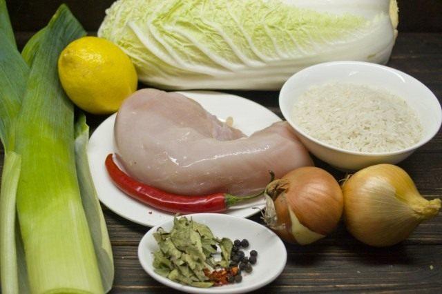 Ингредиенты для приготовления голубцов в пекинской капусте