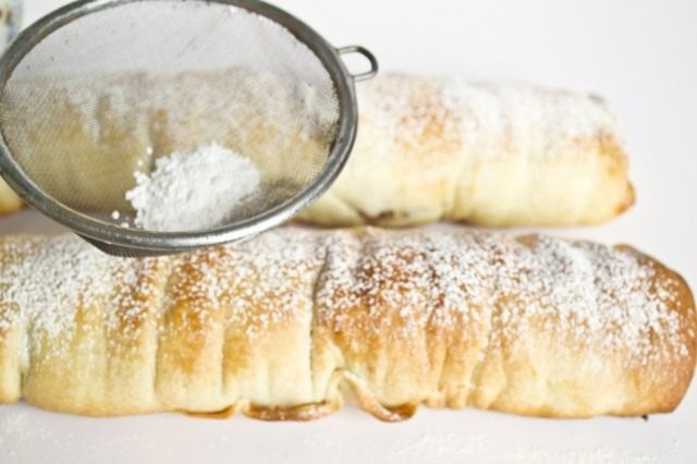 Assar strudels por 30 minutos