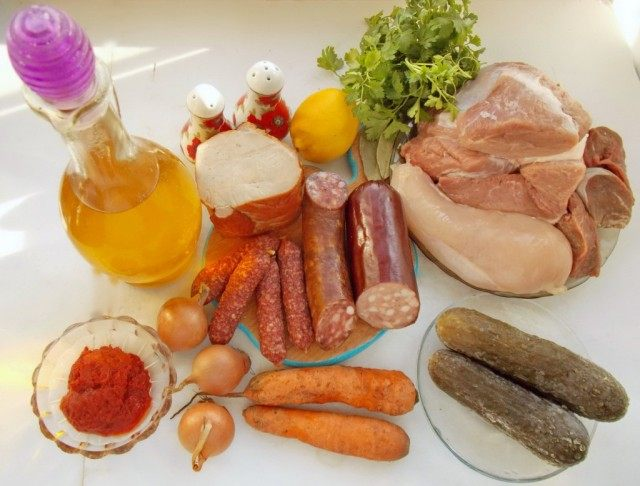 Ингредиенты для приготовления мясной сборной солянки
