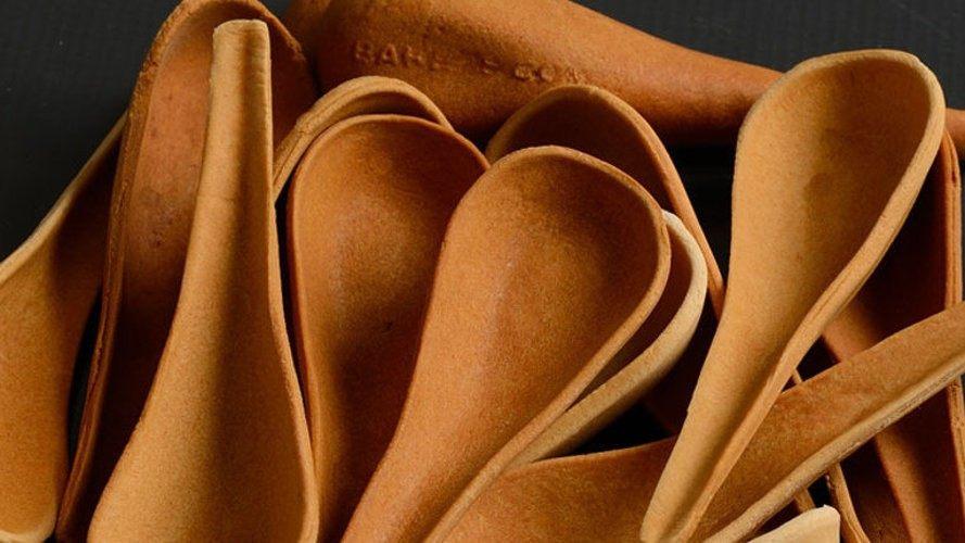 Bakeys-spoons-in-a-pile-889x500