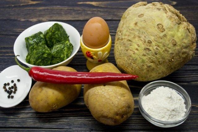 Ингредиенты для приготовления ньокки с сельдереем, шпинатом и картошкой