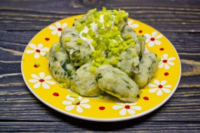 Ньокки с сельдереем, шпинатом и картошкой