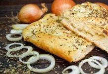 Итальянская фокачча — постный хлеб с луком