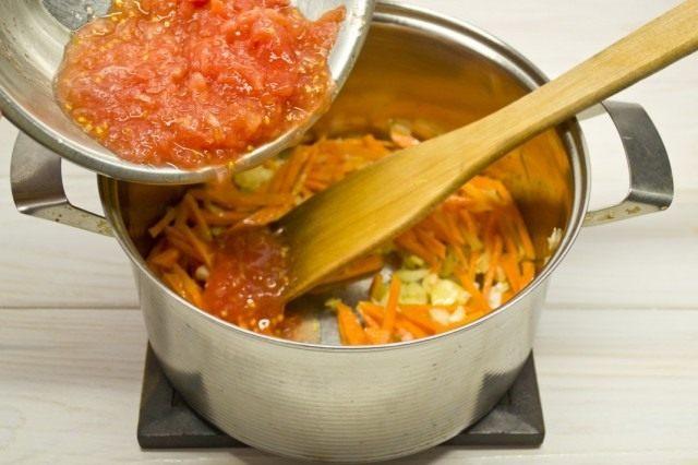 Натираем томаты