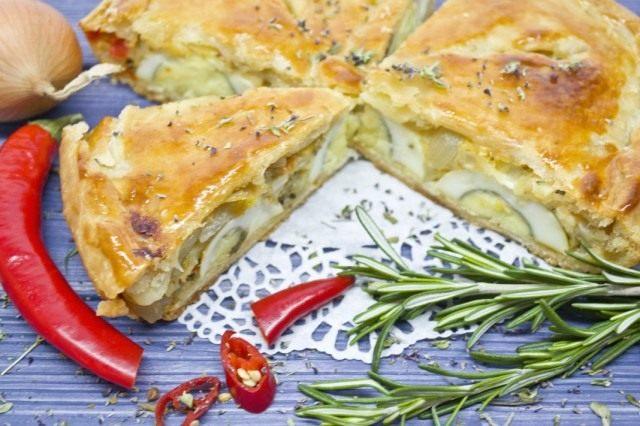 Пирог с луком и яйцом – классика Прованса