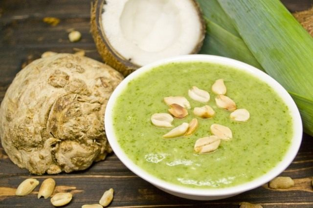 Суп-пюре со шпинатом и кокосом