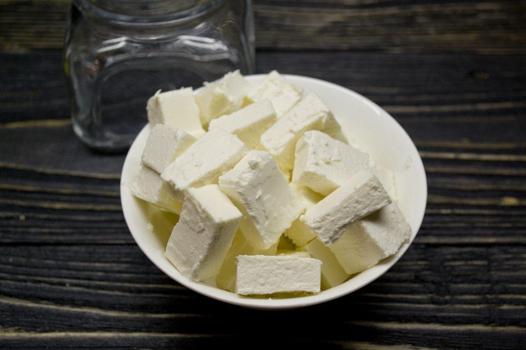Маринованный сыр в домашних условиях