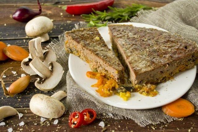 Печеночный паштет из говяжьей печени с грибами и овощами