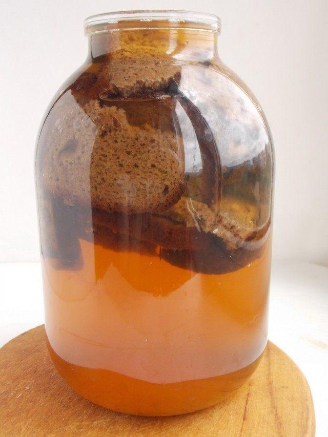 Замачиваем подсушенный ржаной хлеб
